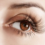 Tips to get longer, thicker eyelashes!