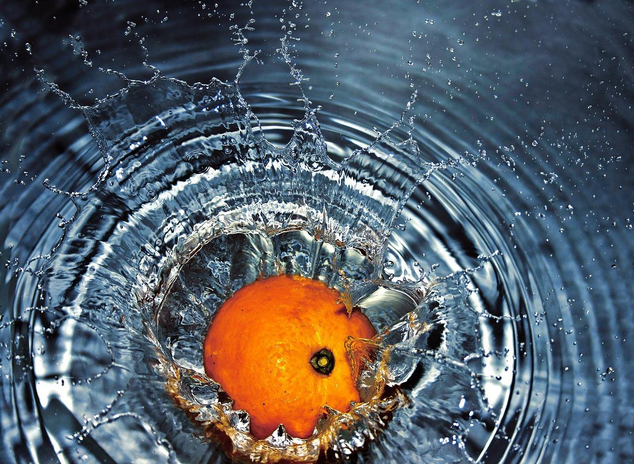6 Ways to Make Water Tasty