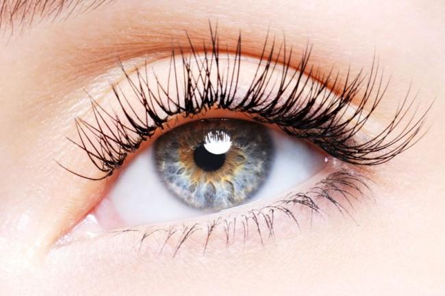 Big eyelashes