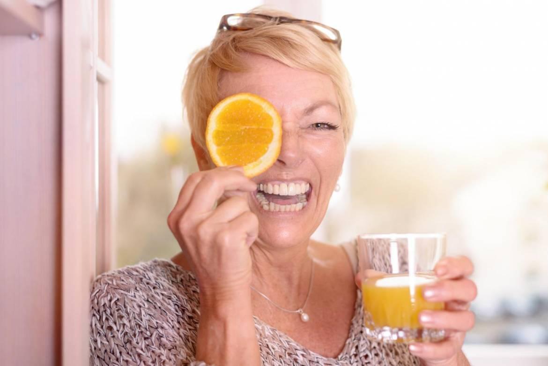 home-remedies-for-wrinkles-under-eyes.jpg