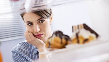 A Nutritionist's Guide to Conquering Cravings