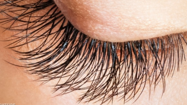 Few Natural Hacks to Grow Eyelashes Faster