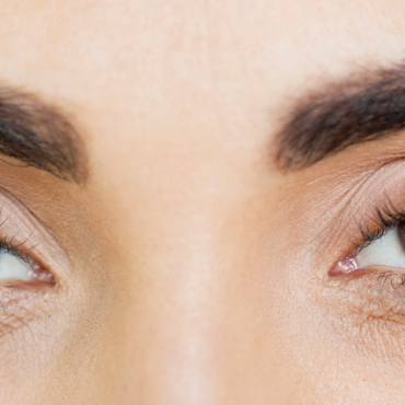 Why Do Eyelashes Stop Growing?