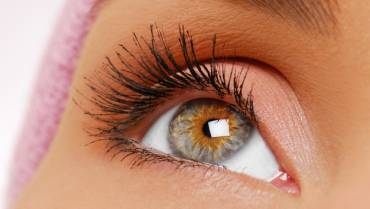 Does Eyelash Growth Help in Beautifying Longer Eyelashes?