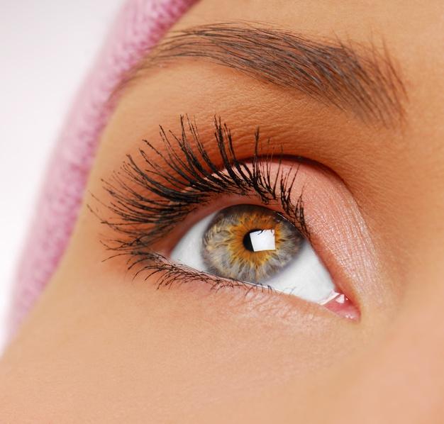 Does Eyelash Growth Help in Beautifying Longer Eyelashes?
